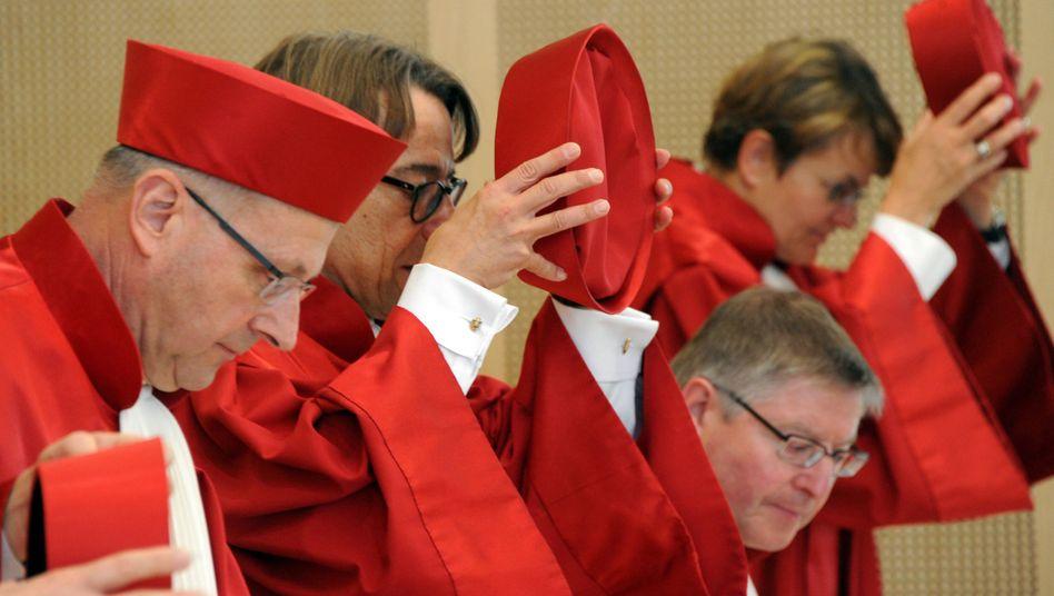 """Verfassungsrichter in Karlsruhe: Terrorismusbekämpfung """"erhebliches Gewicht beimessen"""""""