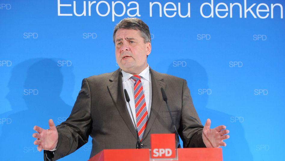 """Wirtschaftsminister Gabriel: """"Kein Widerspruch zu meiner Position zu Rüstungsexporten"""""""