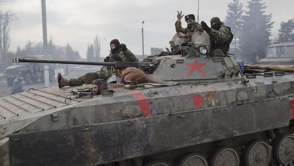 Prorussische Separatisten (hier in Debalzewe): Das Abkommen von Minsk könnte endgültig scheitern
