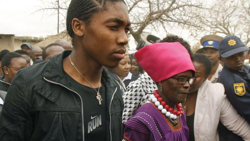 Läuferin Semenya (l.): Proteste nach Meldungen über Testergebnisse