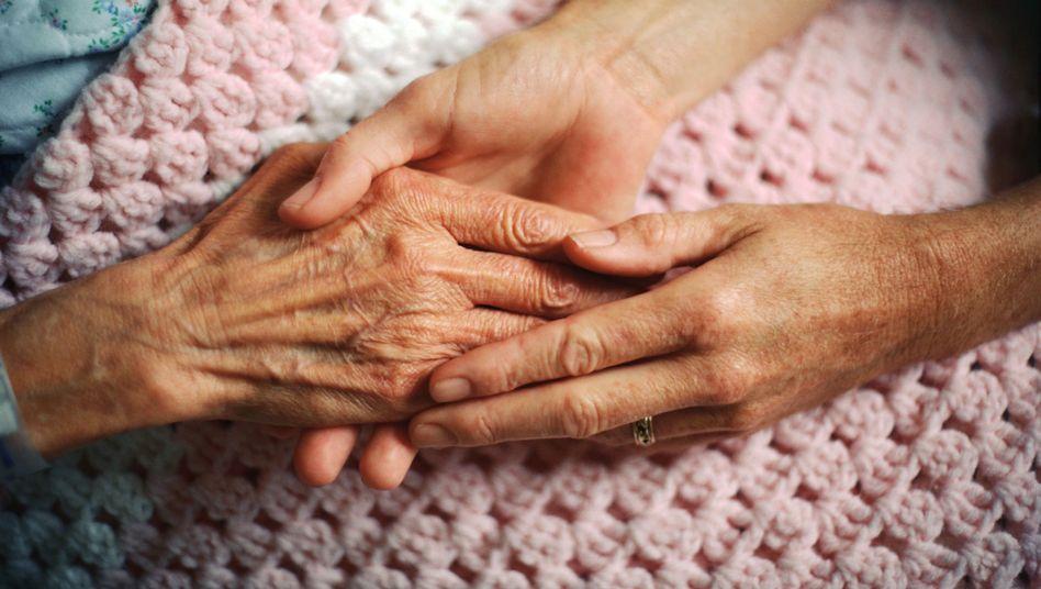 Schwierige Entscheidungen: Wie umgehen mit dem Thema Sterbehilfe?