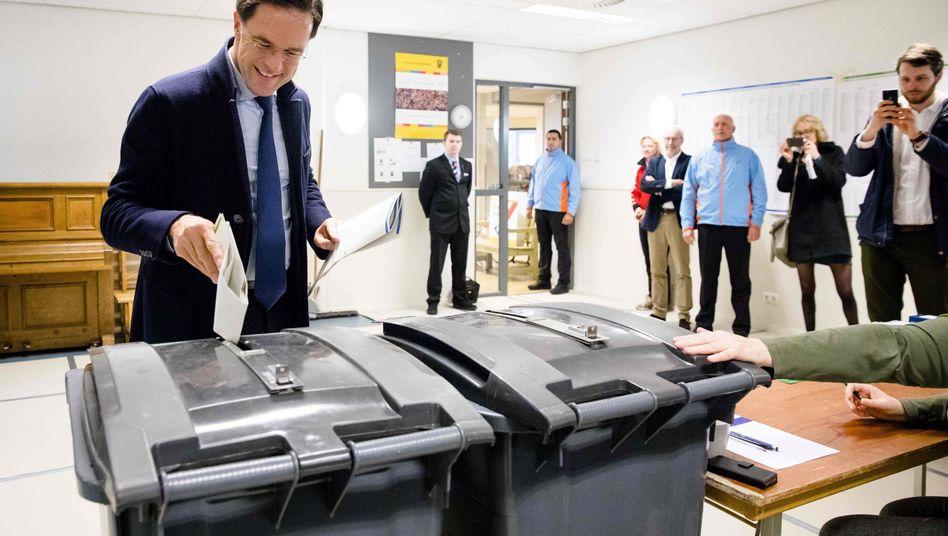 Mark Rutte bei der Stimmabgabe