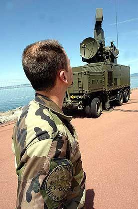 Aus Angst vor Angriffen auf den G-8-Gipfel brachten die französischen Streitkräfte Abwehrraketen in Stellung