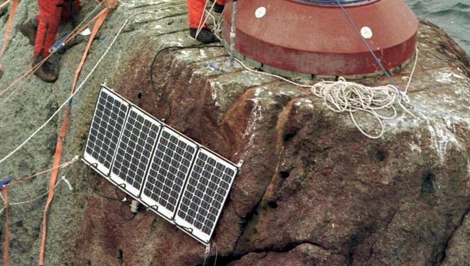 Greenpeace-Aktivisten besetzen den Rockall-Felsen im Nordatlantik: Greenpeace Deutschland fürchtet, durch den Umbau an Schlagkraft zu verlieren