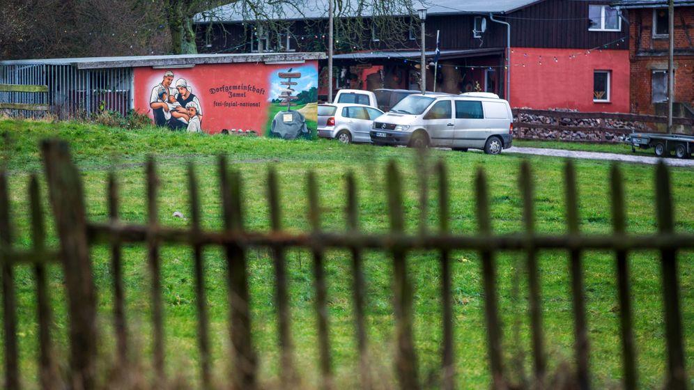 """""""Nazidorf"""" Jamel: Streit um eine Dorfwiese"""