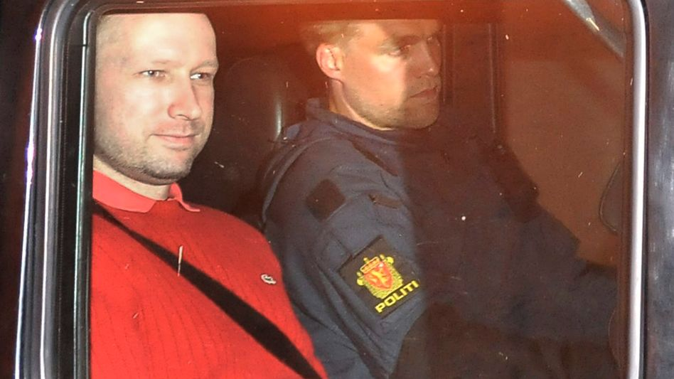 Anders Behring Breivik (left): A court has ordered a second expert opinion on the confessed killer's sanity.