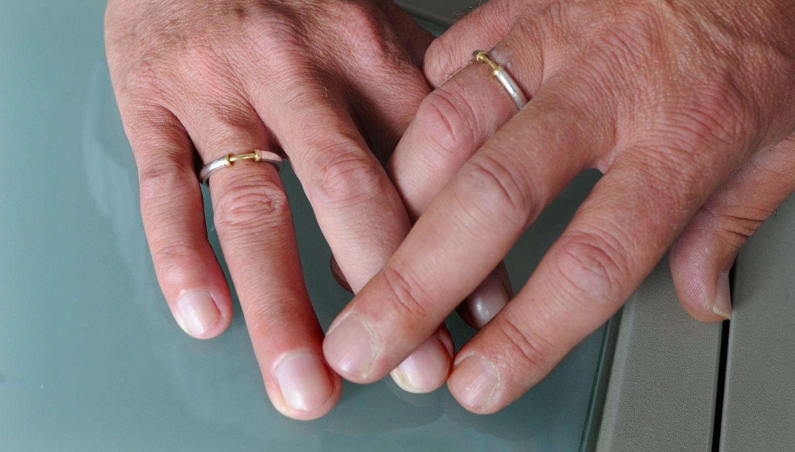 Homo-Ehe in Finnland: Tausende treten aus Kirche aus - DER SPIEGEL