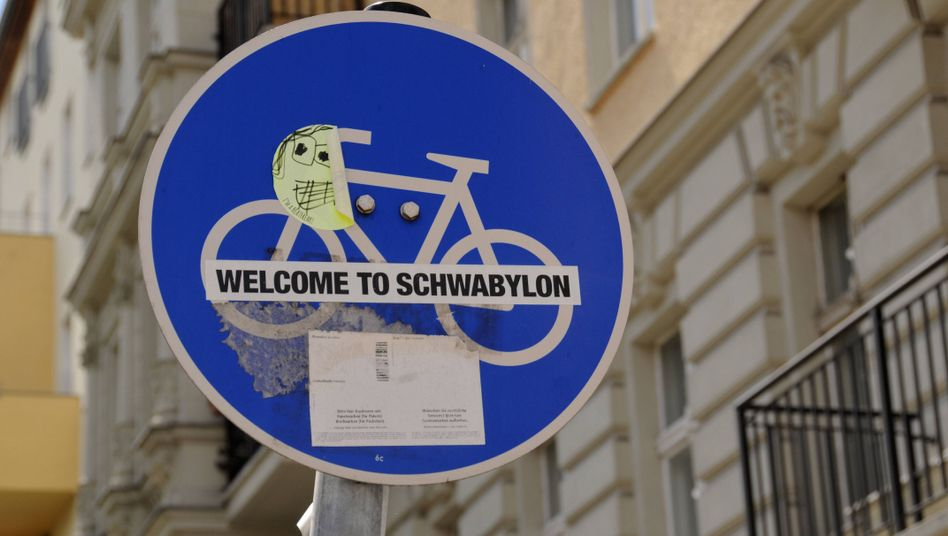 "A witty warning that you are entering the Berlin district of ""Swabylon"""