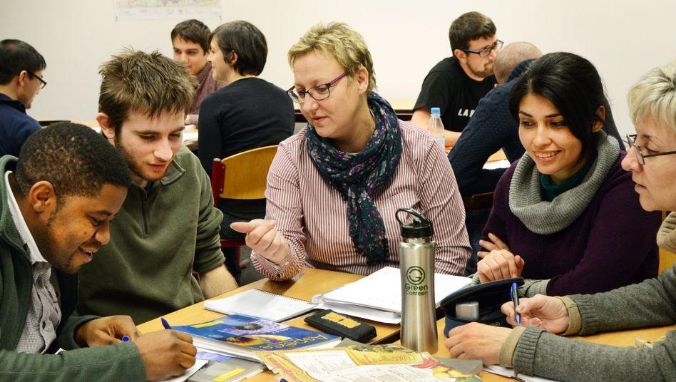 Deutschkurs für Zuwanderer: Mangelnde Sprachkenntnisse erschweren Jobvermittlung