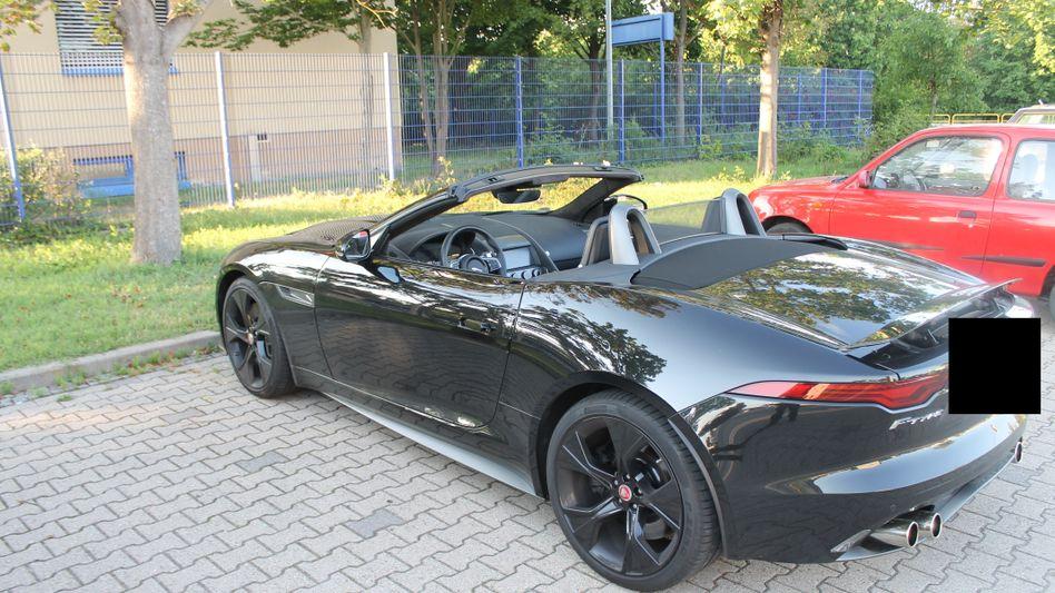 Jaguar F-Type eines der beiden Fahrer (Polizeifoto): Lebensgefährliches Stop-and-Go auf der A65