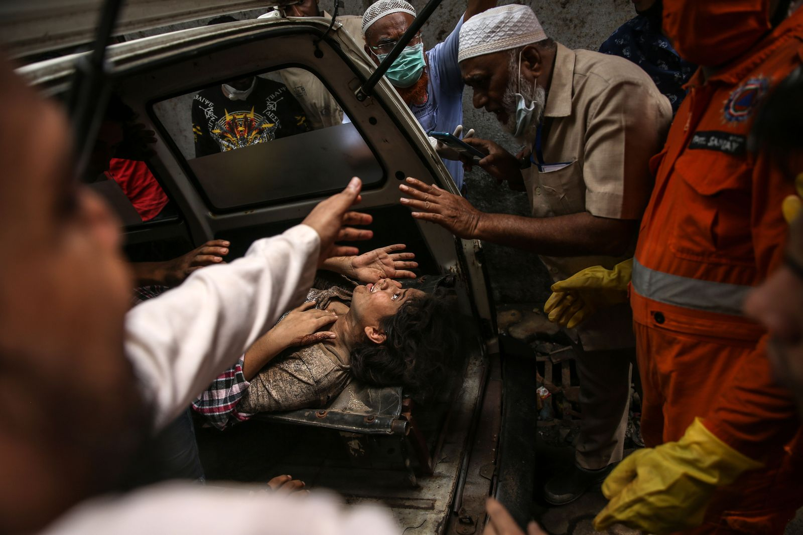 At least 10 dead as building collapses in the outskirts of Mumbai, Thane, India - 21 Sep 2020
