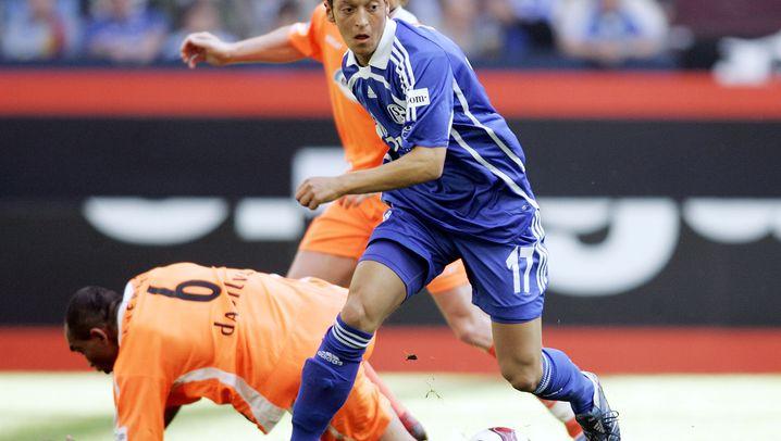 Mesut Özil: Schalke, Real, Arsenal
