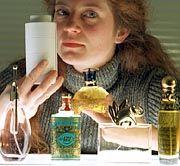Parfüm: Könnte es doch noch ein Pheromon-Wässerchen geben, das unwiderstehlich macht?