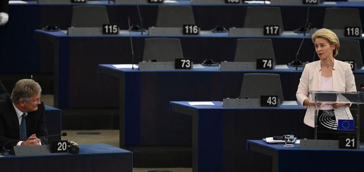 Abgeordneter Meuthen 2019 im Europaparlament bei einer Rede Ursula von der Leyens