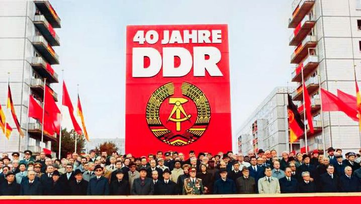 Photo Gallery: Coming to Terms with a DDR Past