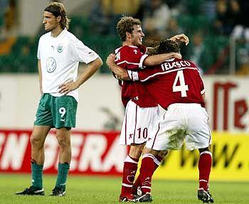 Aus gegen Perugia im UI-Cup: Wolfsburgs argentinischer Angreifer Diego Klimowicz ist entsetzt