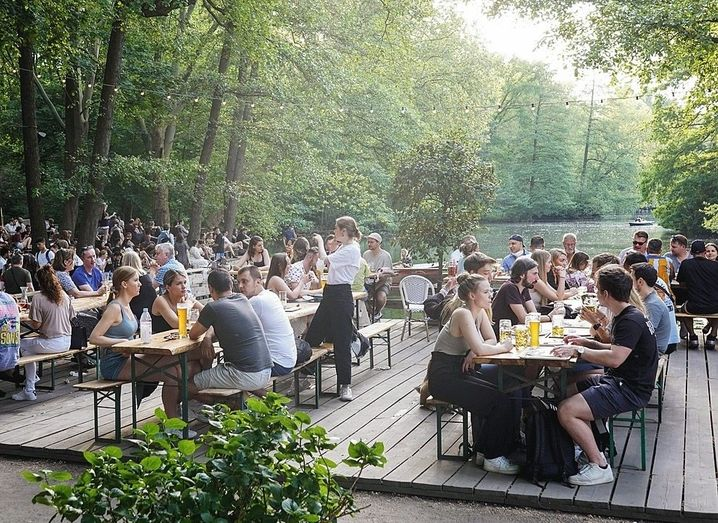 Beer garden visitors in Berlin: Finding a balance between confidence and caution