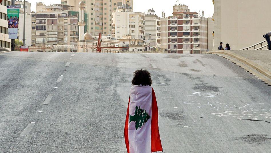 Wohin führt dieser Weg? Eine libanesische Demonstrantin in Beirut