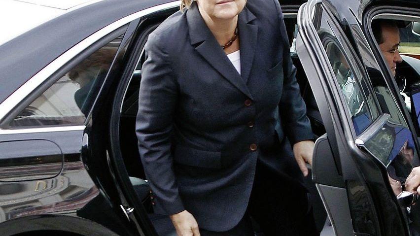 Merkel mit Dienstwagen