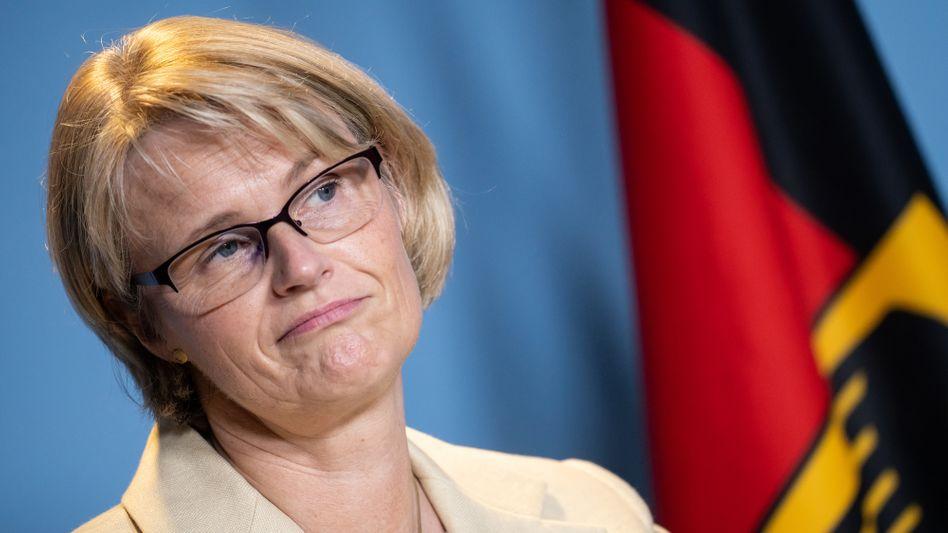 Bildungsministerin Anja Karliczek (CDU): Hoffentlich kommt sie irgendwann zu einer realistischeren Selbsteinschätzung.