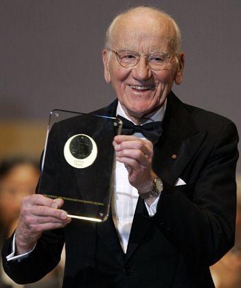 Ein Leben für die Genetik: Am 23. April 2008 bekam Victor McKusick den Japan-Preis für medizinische Genetik.