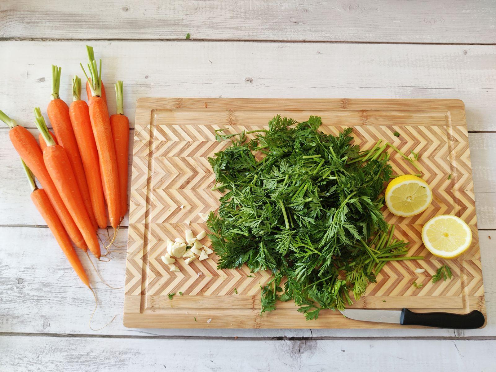 Kochen ohne Kohle / Karottengrün-Pesto