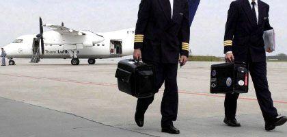 Aussteigen: Auch auf dem Rollfeld gibt es viele Gefahren wie Piloten ohne Führerschein