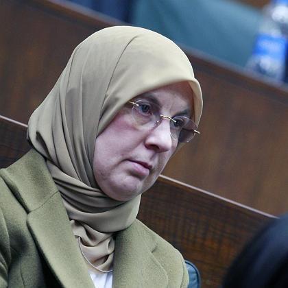"""Türkische Frau mit Kopftuch: """"Der Schleier spaltet das Land"""""""