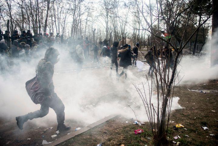 Griechische Grenzschützer gingen mit Gewalt gegen Geflüchtete vor