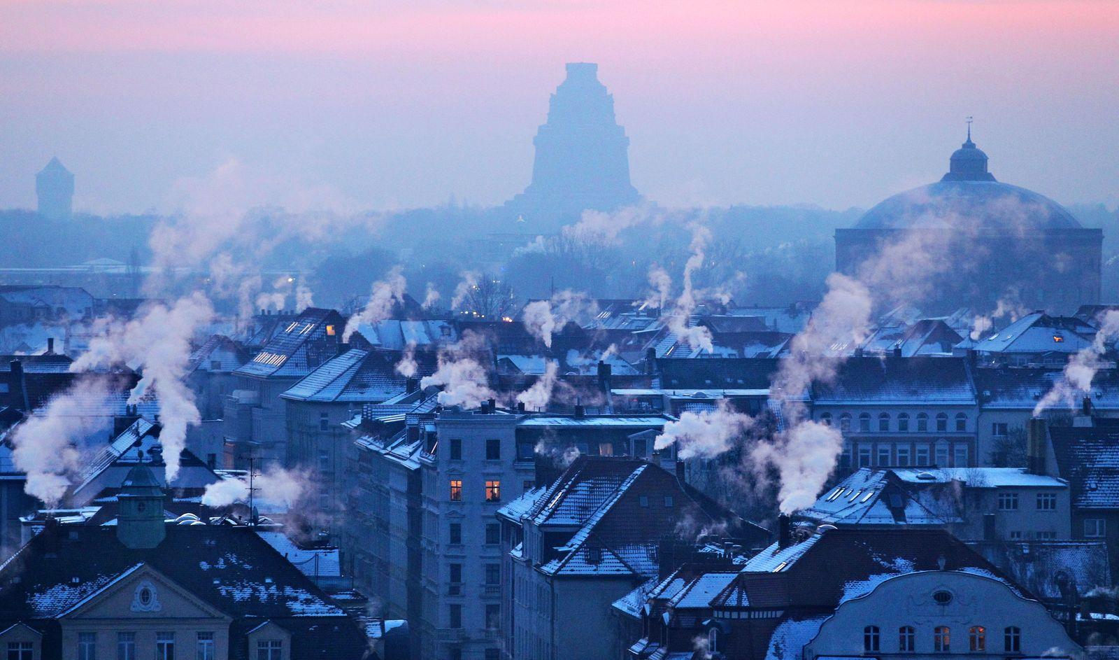 Schornsteine / Heizen / Wärme Dächer / Energie