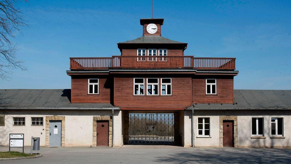 Eingangstor zum KZ Buchenwald (Archiv)