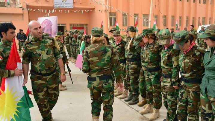 Kampf gegen IS: Frauen an die Waffen