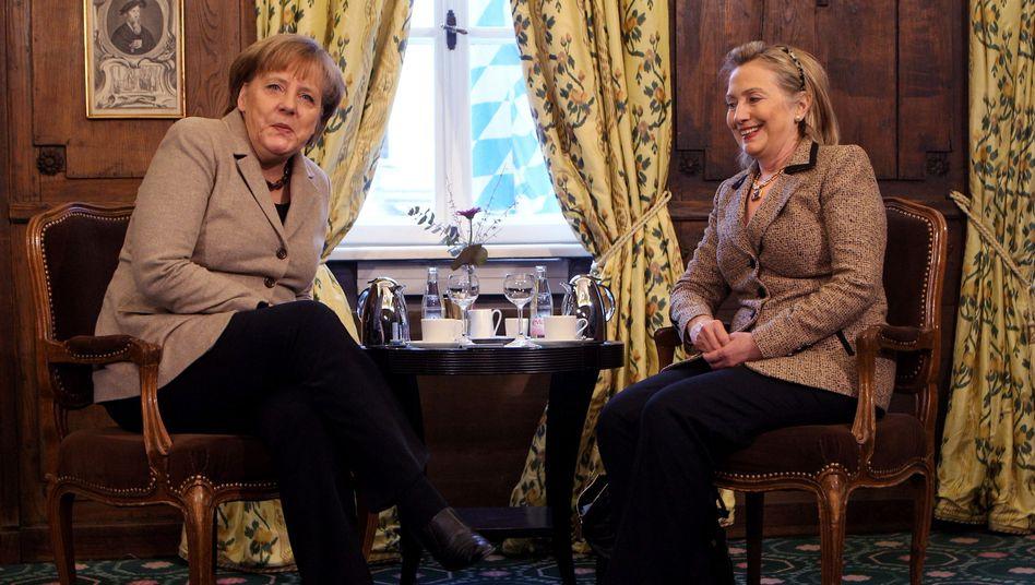 Kanzlerin Merkel, US-Außenministerin Clinton in München: Chance verpasst