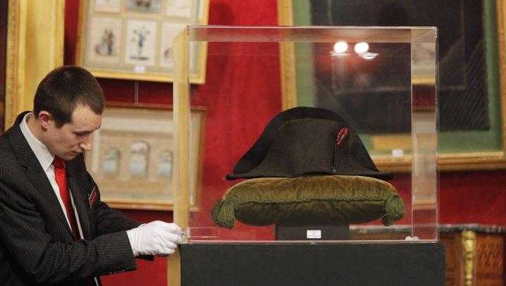 Hut von Napoleon: Berühmter Zweispitz versteigert