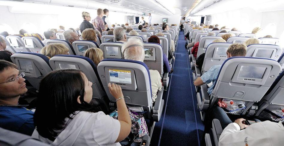 Flugzeugkabine mit Passagieren