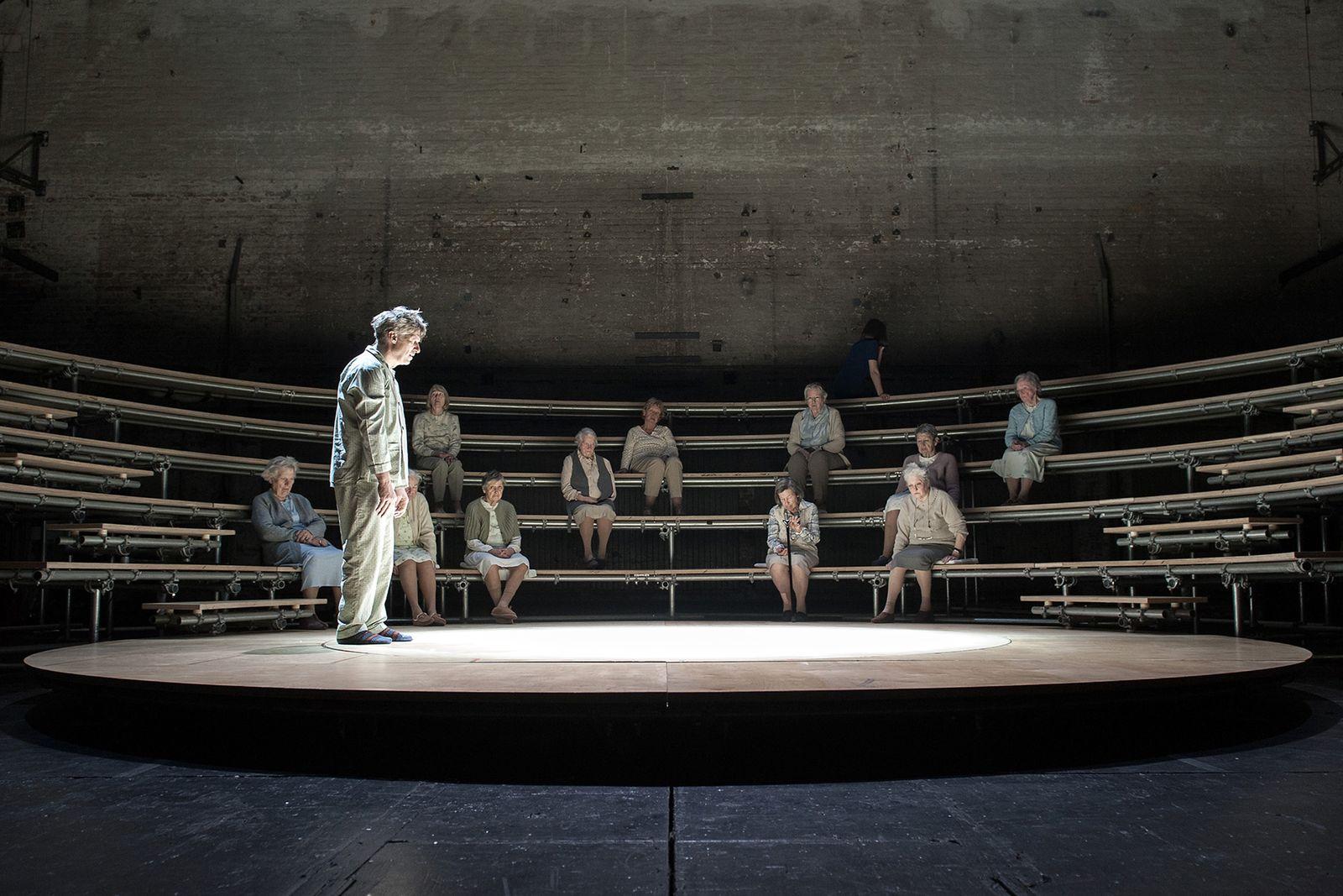 EINMALIGE VERWENDUNG Theater/ Rosa oder Die barmherzige Erde