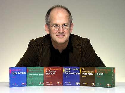 HörGut-Chef Norbert Jochmann mit Hörbüchern: Auflagen bis 10.000 Exemplare angepeilt