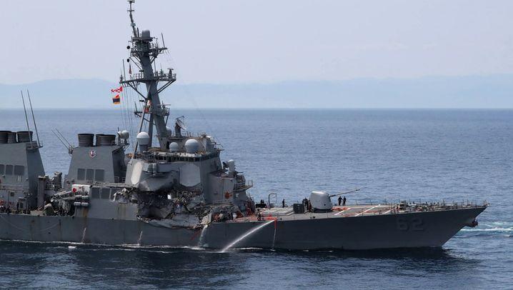 US-Zerstörer und Frachter kollidieren: Schiffsunglück vor Japans Küste