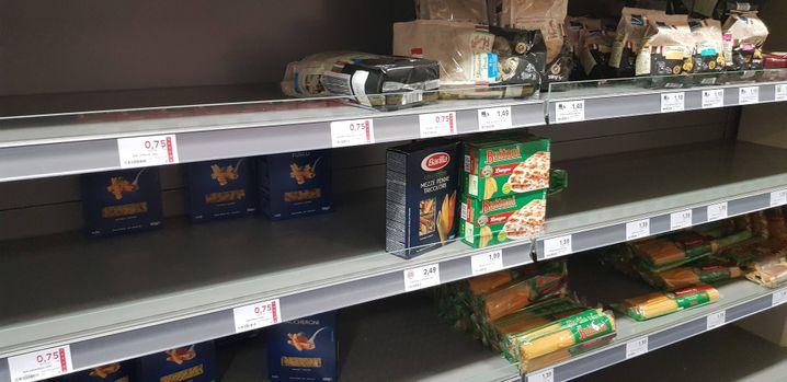 Hamsterkäufe sorgen in Supermärkten für leere Regale