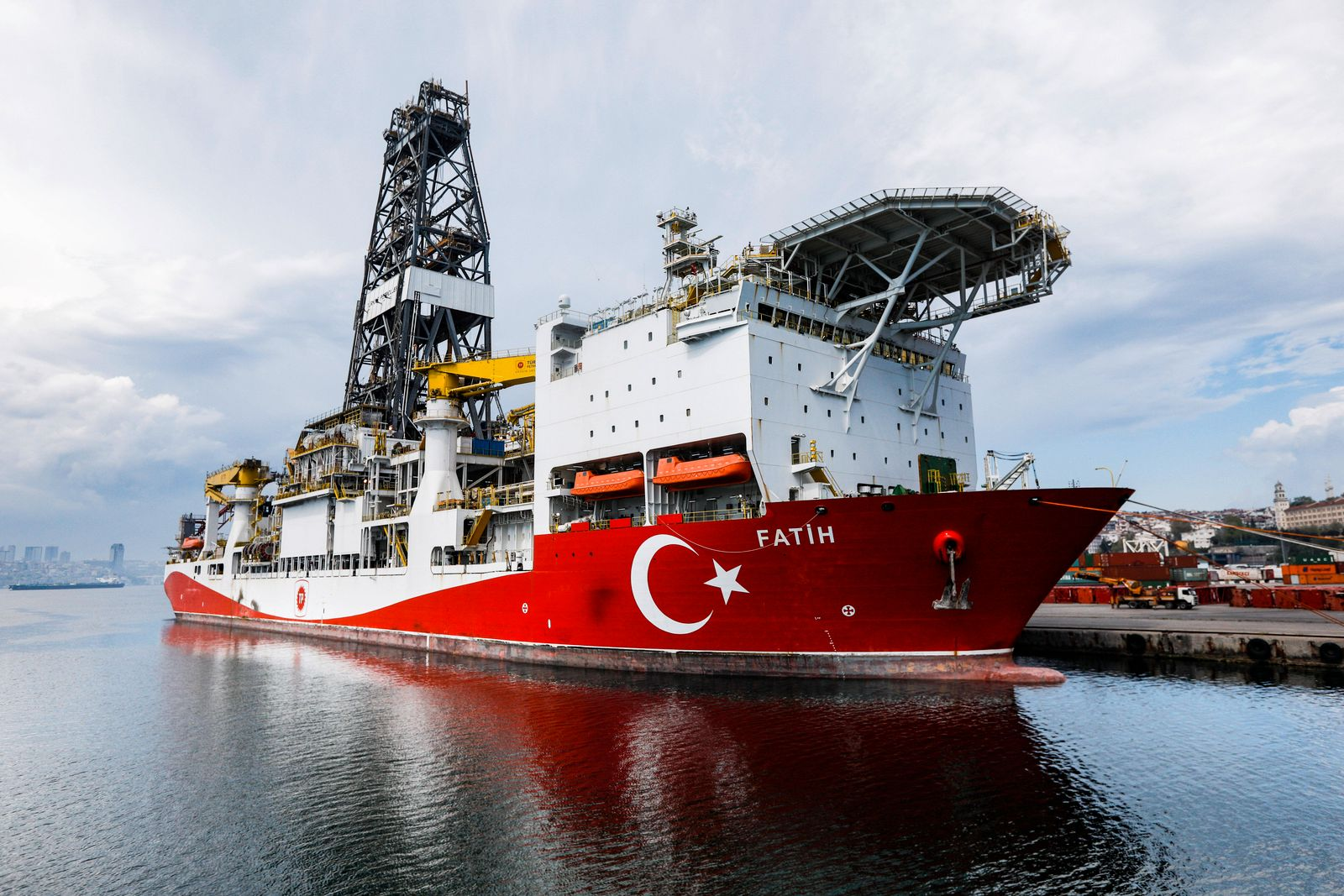 May 1, 2020, Istanbul, Turkey: Turkey s drilling vessel Fatih is seen as anchored off the Haydarpasa Port in Istanbul. I