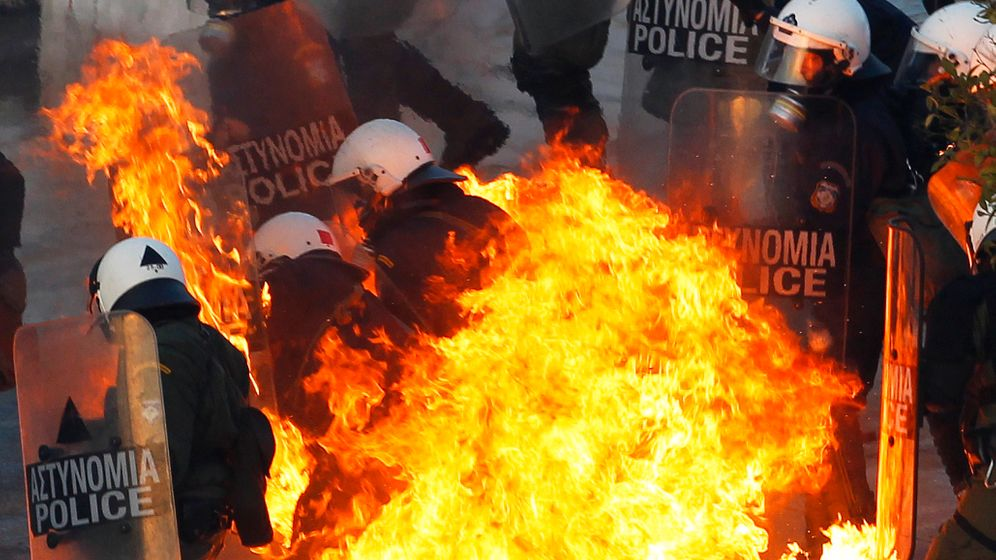 Photo Gallery: Violent Clashes in Athens