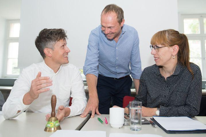 Mathias Weiland, Landesgeschäftsführer der sächsischen Grünen, sowie die Spitzenkandidaten Wolfram Günther und Katja Meier beim Landesparteirat.