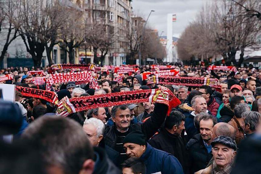 EINMALIGE VERWENDUNG Skenderbeu Korce / Korca / Protest
