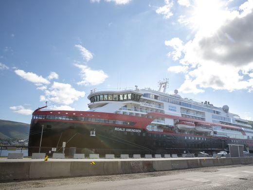 """""""Roald Amundsen"""" in Tromsø: Mindestens 40 Crewmitglieder und Passagiere infiziert"""