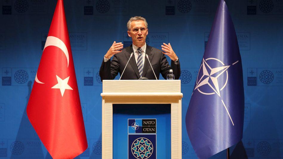 Nato-Generalsekretär Jens Stoltenberg: Besorgt über mögliche Atomwaffen auf der Krim