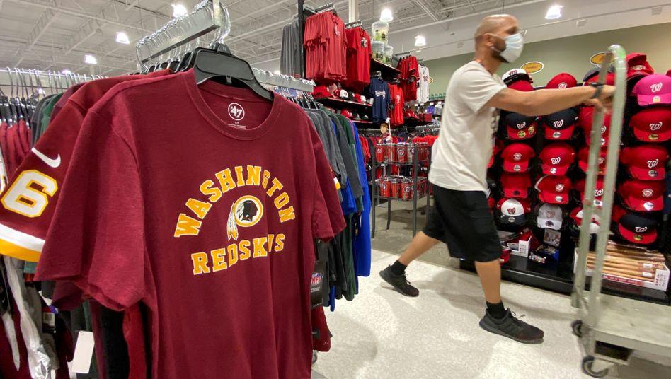 Infolge der landesweiten Rassismus-Proteste in den USA entfernten Ausrüster Fanartikel der Redskins aus ihren Geschäften