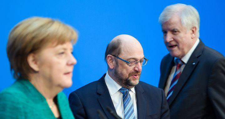 Martin Schulz am Tag der Einigung mit Angela Merkel und Horst Seehofer