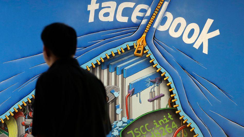 Wandbild in der Facebook-Zentrale in Menlo Park