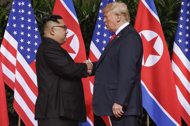 Handschlag mit dem Diktator: Trump und Kim im Juni 2018 in Singapur