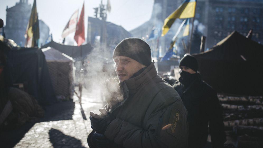 Photo Gallery: Militias Prepare for Worst in Ukraine